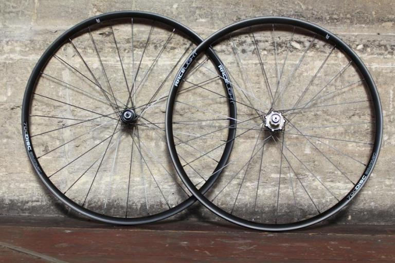 kinesis-racelight-rl-700-disc-wheels.jpg