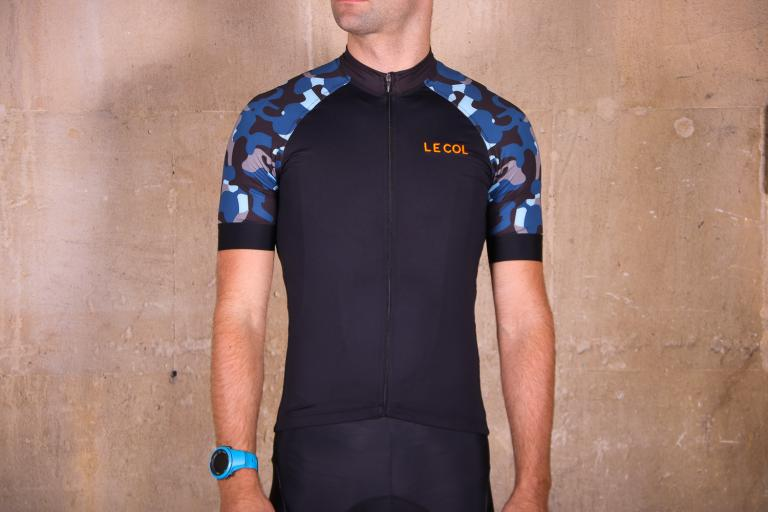 Review  Le Col By Wiggins Pro Gold Stripe Jersey  430c75d92