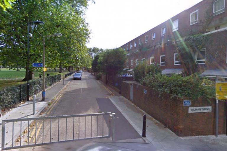 London Fields West Side (via GoogleStreetView).PNG