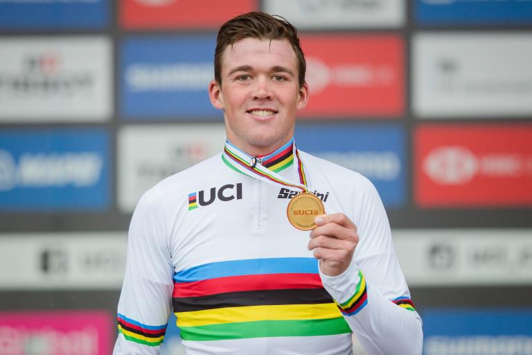 Mads Pedersen in the rainbow jersey, Picture by Charlie Forgham-Bailey, SWpix.com_
