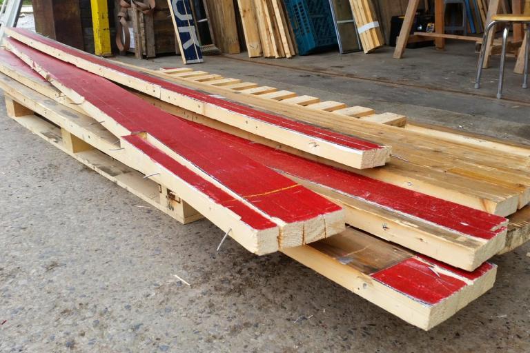 manchester_velodrome_boards_vie_emerge_wood_on_twitter.jpg