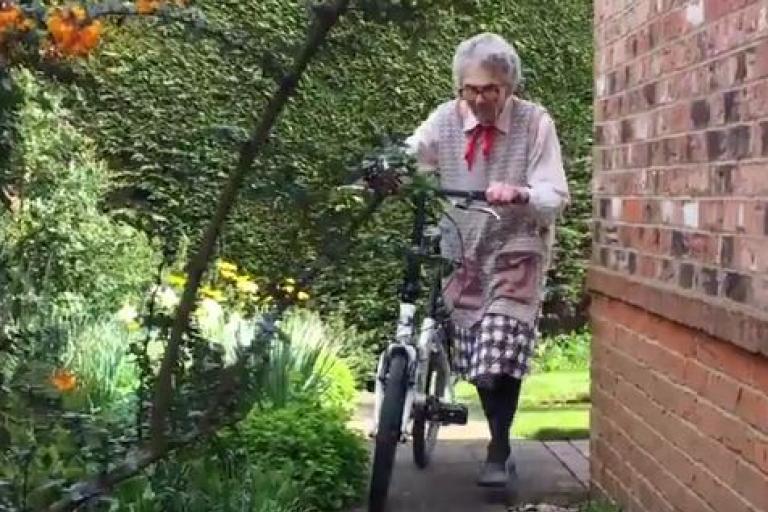 Mary Hampton (BBC Twitter video still).JPG