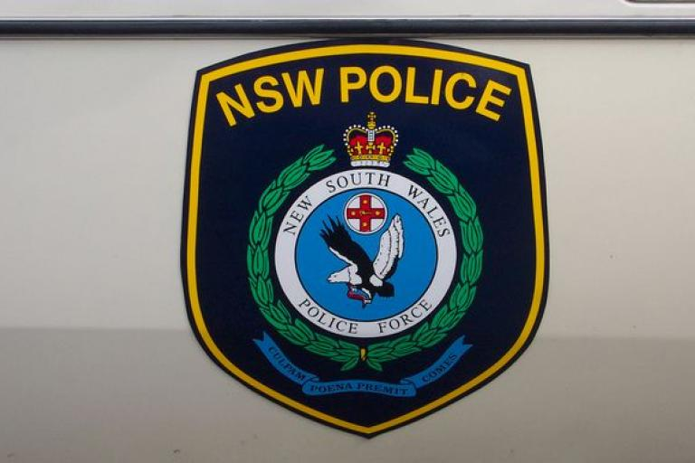 NSW Police badge (licensed CC BY 2.0 on Flickr by sv1ambo).JPG