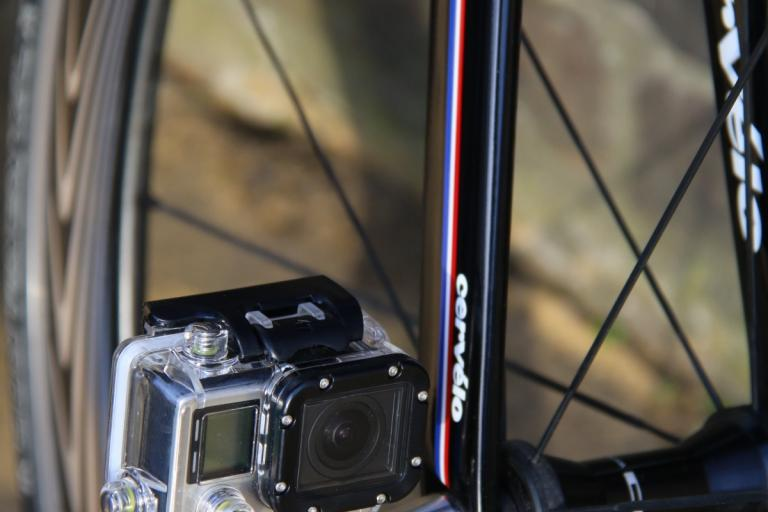 Nut-R Bicycle Axle Camera Mount (1).jpg