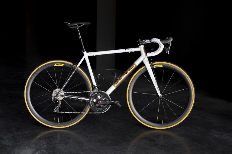 Oliver Naesen Eddy Merckx Corsa (0).jpg