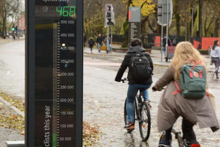 Oxford Road cycle counter by day