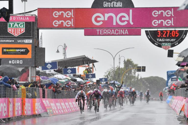 Pascal Ackermann wins Giro d'Italia Stage 5 (picture credit LaPresse)