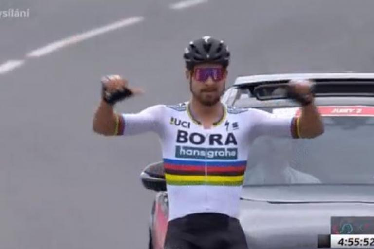 Peter Sagan wins 2018 Slovak National Championship TV still.JPG