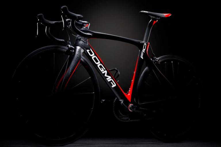 pinarello-dogma-f10-black-lava.png