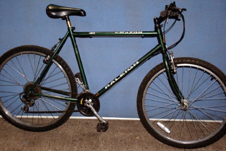 recovered_bike_-_raleigh_mountain_bike (image by Selectamark)