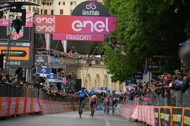 Richard Carapaz wins Stage 4 of 2019 Giro d'Italia (picture courtesy RCS Sport)