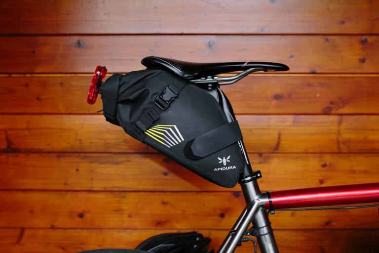 Apidura Racing Series SaddlePack