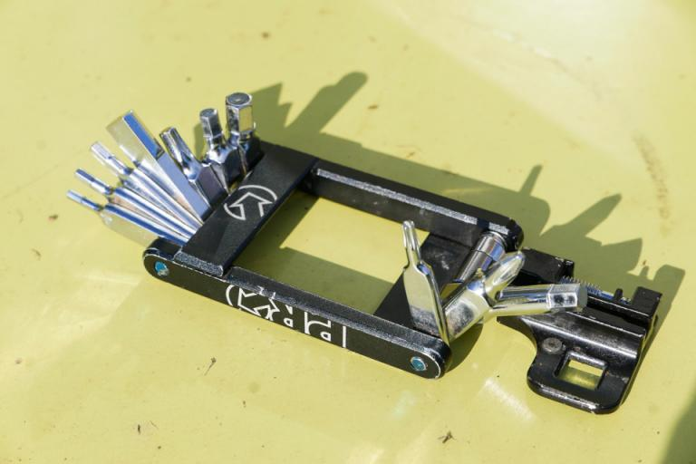 Review Fabric Eight Tool Road Cc