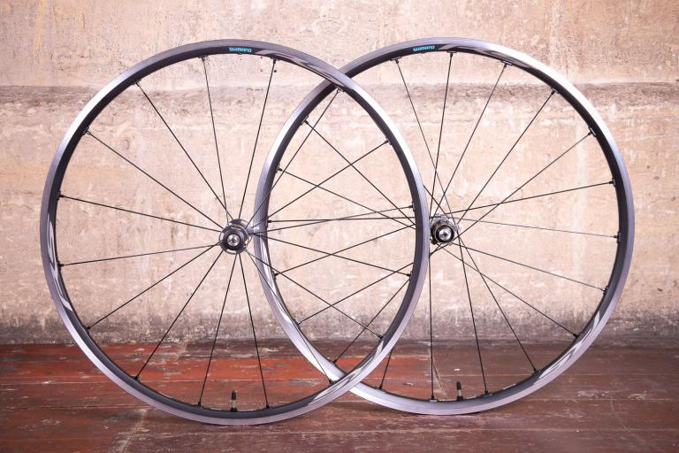 Shimano WH-RS500 Tubeless wheelset.jpg