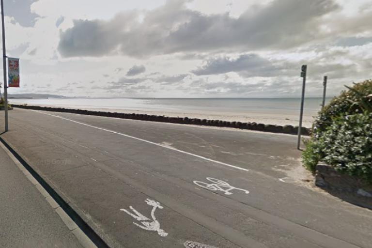 Swansea promenade cycle path (GoogleStreetView).PNG