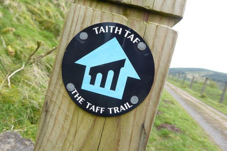 Taff Trail sign (CC licensed by Andrew Bowden via Flickr).jpg