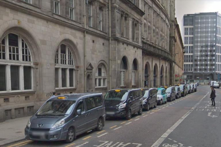 Taxis outside Glasgow Central Station (via StreetView)