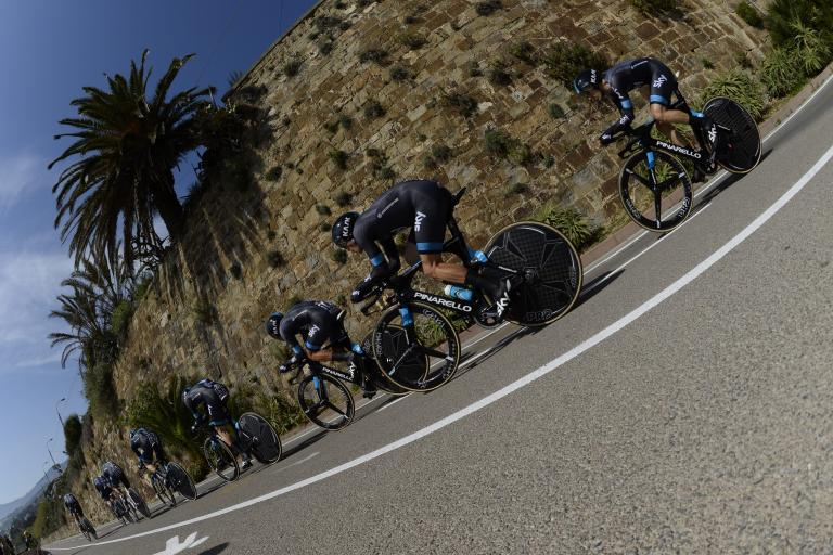 Team Sky in team time trial at 2015 Giro d'Italia (picture RCS Sport).jpg