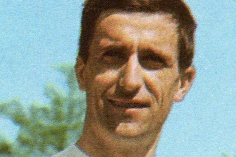Tom Simpson (cropped, source Panini).PNG