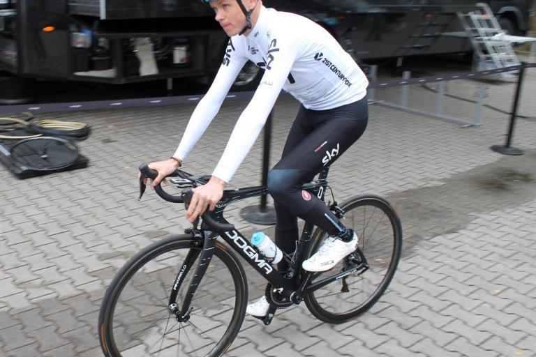 Tour de France 2017 Chris Froome Pinarello Dogma F10  - 1.jpg