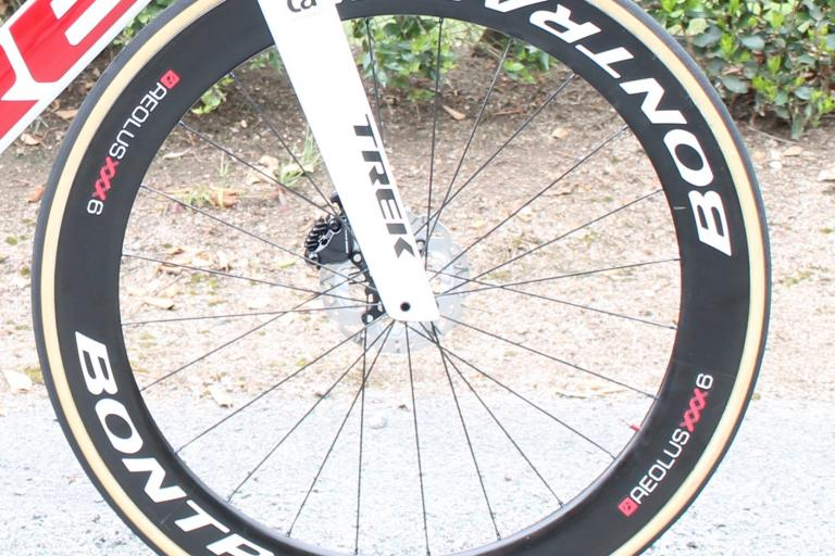 tour_de_france_2018_-_mollema_bontrager_front_wheel_-_1.jpg