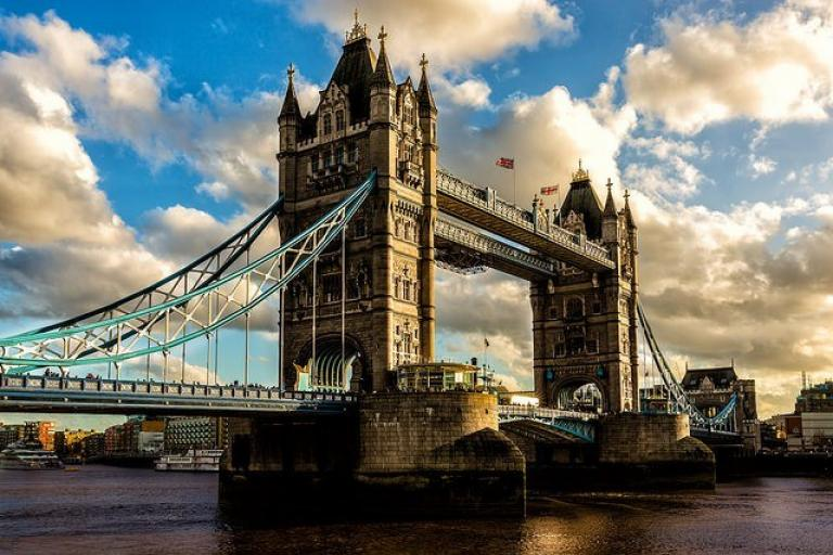 Tower Bridge (licensed CC BY-SA 2.0 on Flickr by Davide D'Amico).jpg