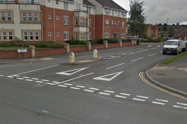 Trevorrow Crescent junction before work was carried out (via Streetview).jpg
