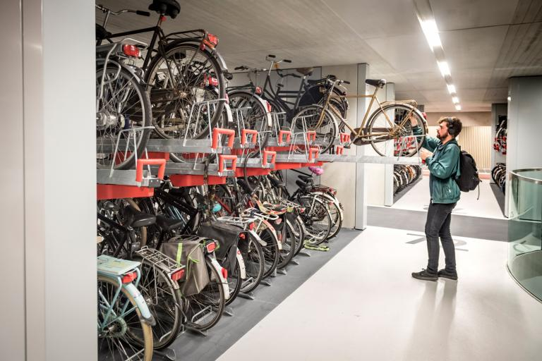Utrecht station bike park