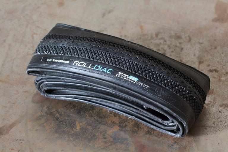 Vee Tire Co Rolldiac infinity compound Synthesis 120 TPI.jpg