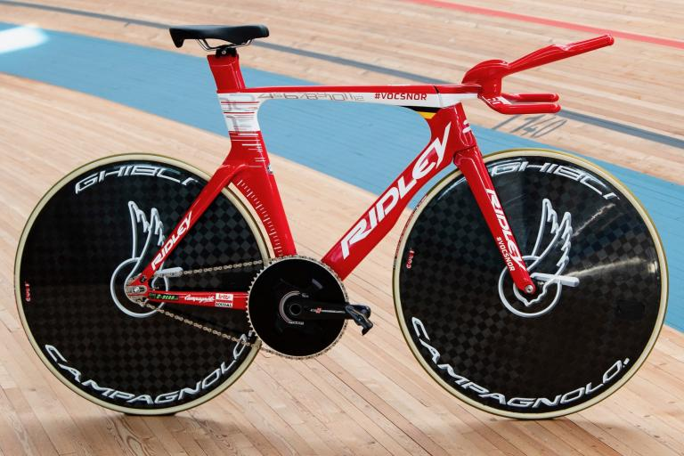 Victor_Campenaerts_Ridley_Arena_TT_1 (1)