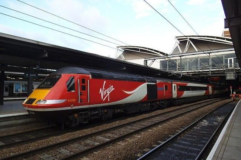 Virgin Trains East Coast HST at Leeds (CC licensed by Stephen Craven via Wikimedia).jpg