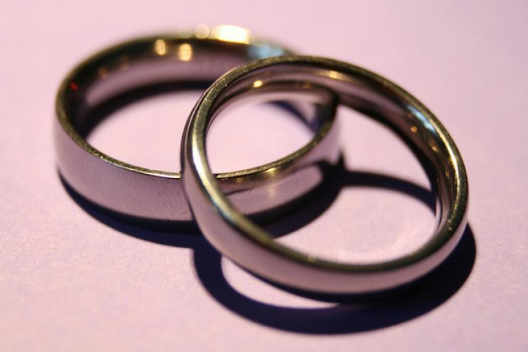 Wedding rings (pic - publc domain).jpg