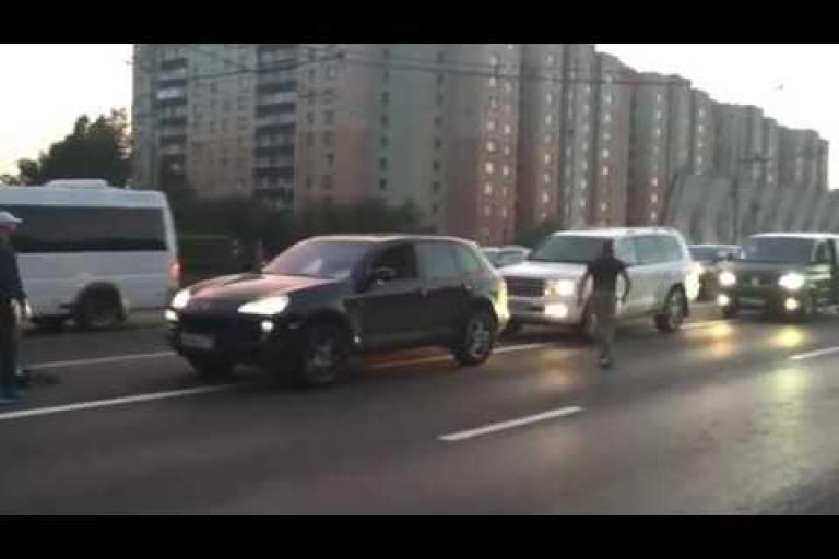 b666bed59 Video  Road rage driver confronts cyclist only for Russian special forces  to intervene
